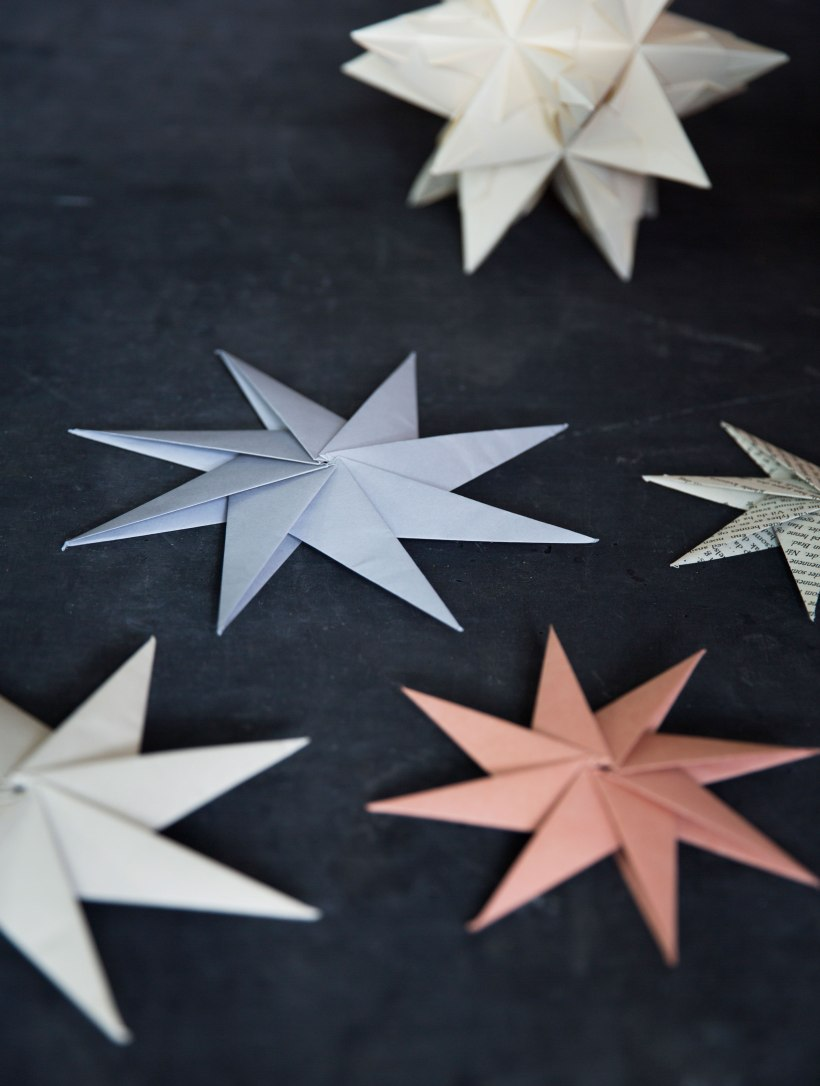 How about decorating with Paolo Bascetta's stars for Christmas?